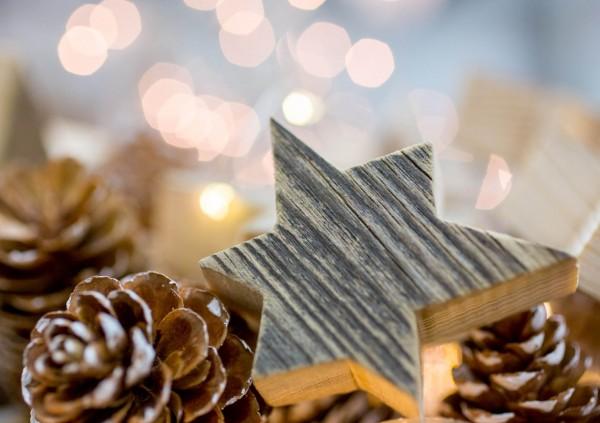 Weihnachtskarte - Tannzapfen und Stern
