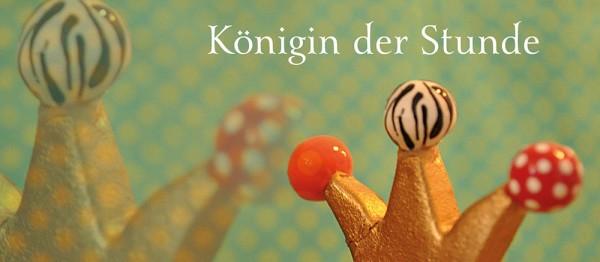 910623 - Windlichtkarte: Königin der Stunde (Krone m. Kugeln)