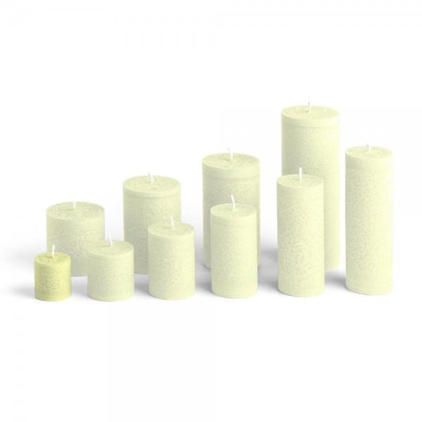 C04022 - Blockkerze lindengrün, Durchmesser 38mm, Höhe 40mm