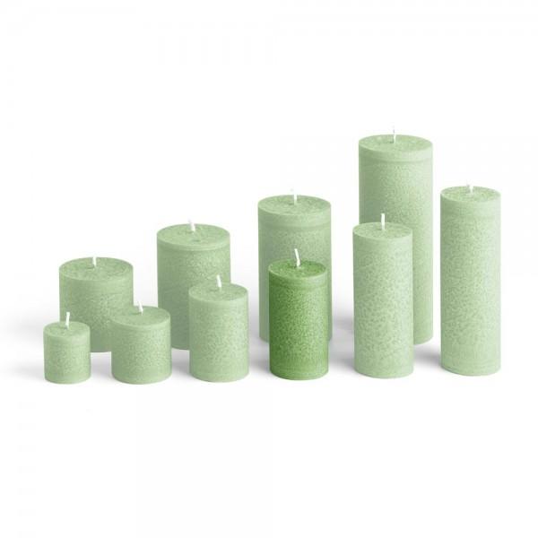 D09024 - Blockkerze tannengrün, Durchmesser 50mm, Höhe 90mm
