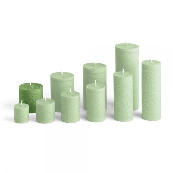 E06524 - Blockkerze tannengrün, Durchmesser 65mm, Höhe 65mm