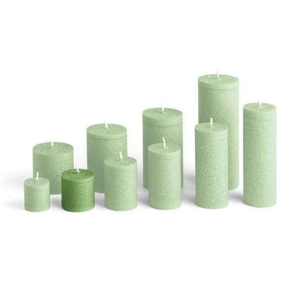 D05024 - Blockkerze tannengrün, Durchmesser 50mm, Höhe 50mm